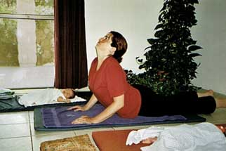 תנוחת קוברה - יוגה לנשים ותינוקות