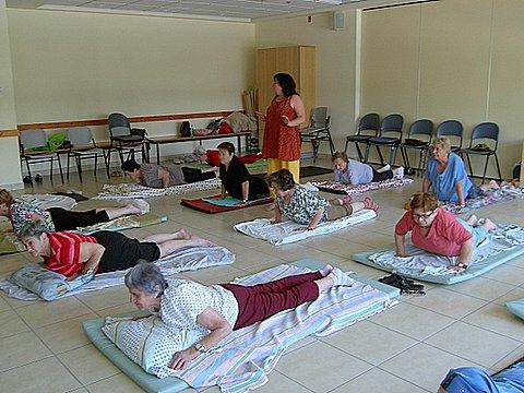 יוגה ונשימה בגיל זיקנה